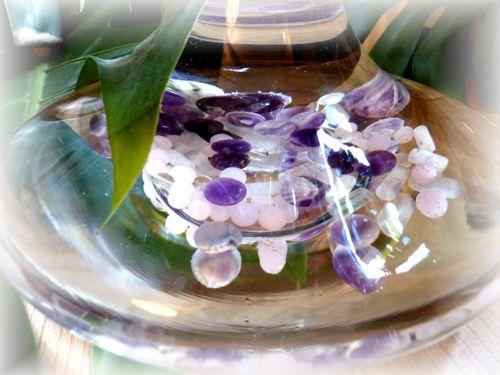 Karaffe mit Amethyst, Rosenquarz und Bergkristall